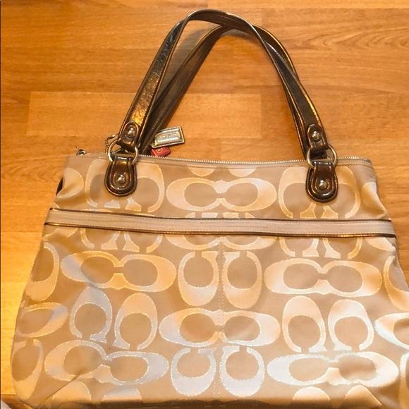 Coach Bags   Bag With Zipper   Poshmark e651dee4d2